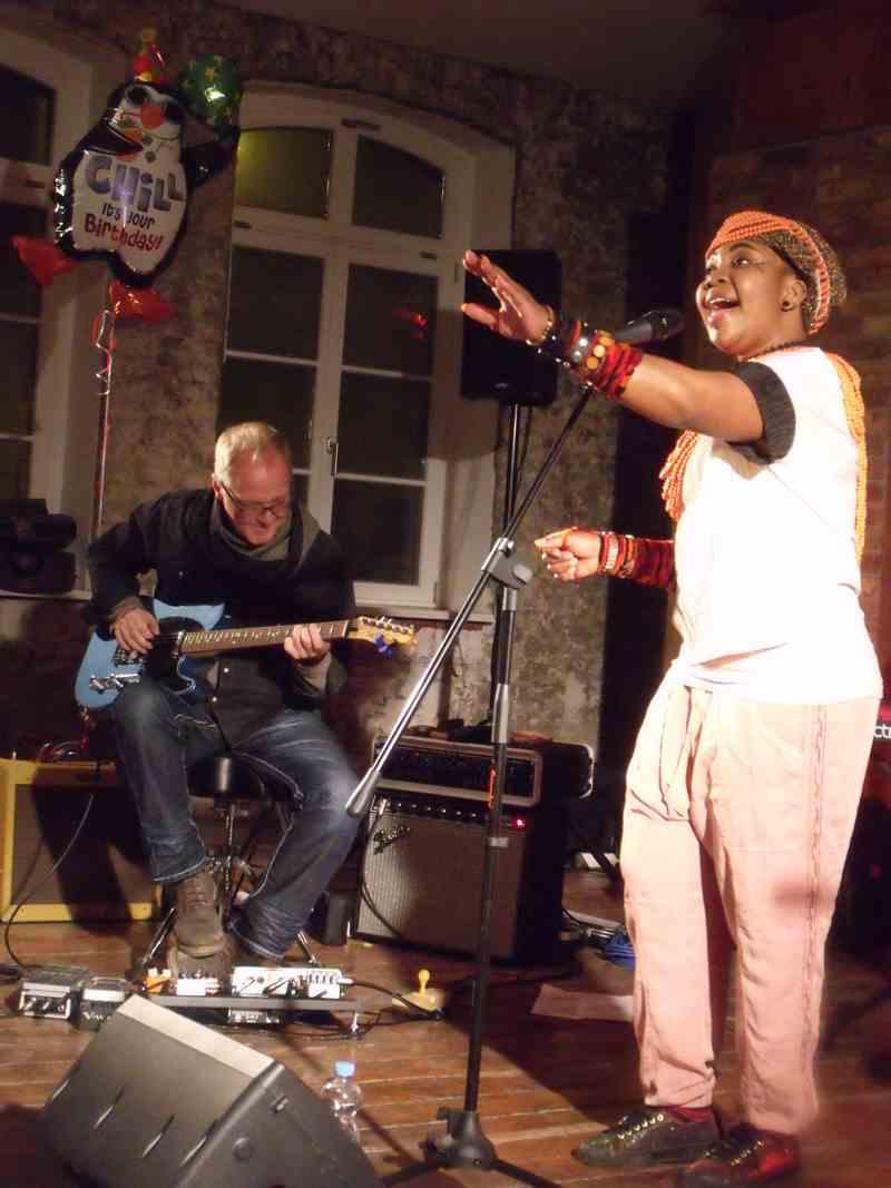 Yvonne Mwale mit Tilmann Höhn